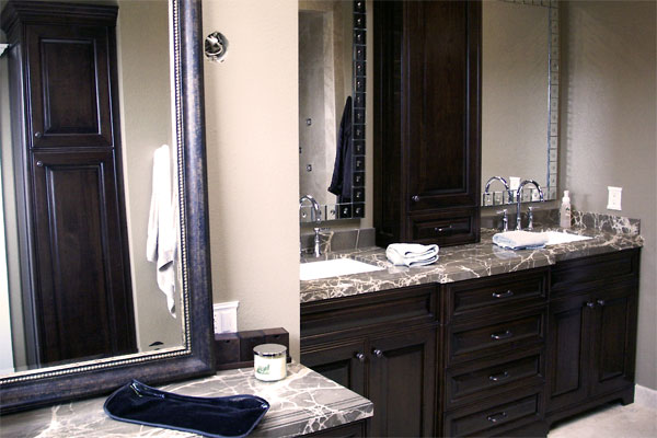 traditional-stained-master-vanity