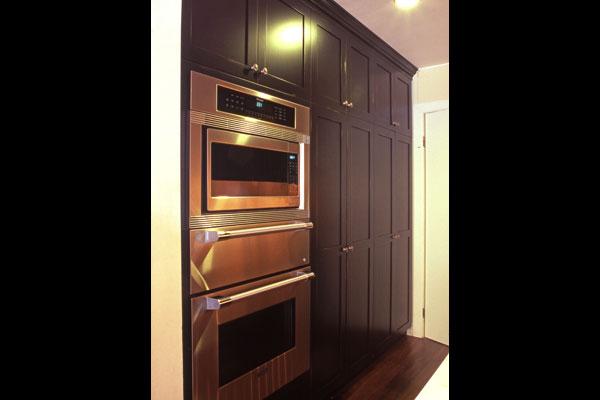 black-shaker-kitchen