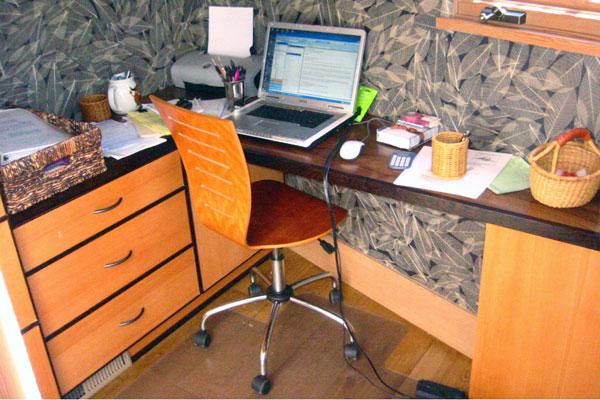 built-in-desk-Morning-Canyon-023
