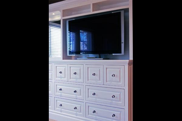 builtin-dresser-TV-unit-Taormina-6